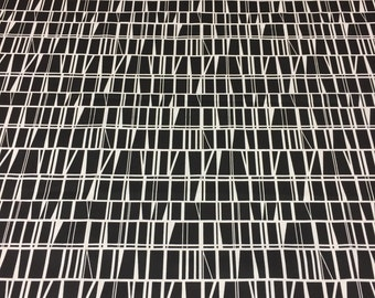 Black and white tablecloth, geometric motif, modern style, home decor, great gift