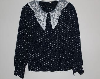 Blouse with polka dots Vintage year 80 Navy Blue and white lace