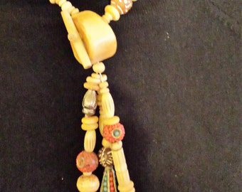 Vintage Beautiful Fun Necklace