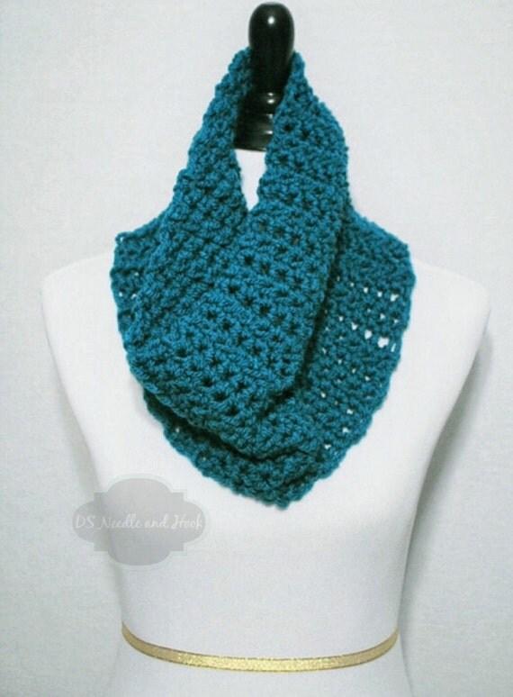Blue Crochet Scarf, Crochet Cowl, Teal Blue Infinity Scarf, Blue Green Neck Warmer, Chunky Blue Cowl