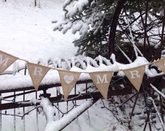 Burlap Banner Pennant Garland, Wedding Décor, Rustic Wedding, Bride and Groom Sign, Newlywed Photo Prop, Homemade Tag