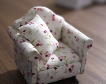 Dollhouse armchair cushion dolls house pink and green single seat sofa 1 12th scale miniature