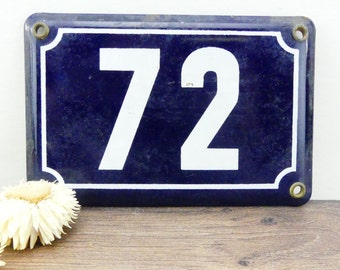 French street number - plate of street - former number - number 72 - plate Street