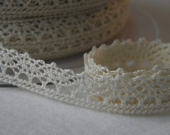 RDC3 ivory - COL 03 - FROU FROU - Ribbon lace cotton - sold by 10 cm.