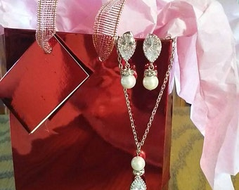 Cubic Zirconia necklace-earring set