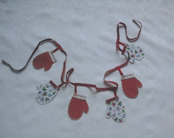Christmas bunting, red, white, bird patterned, hand stitched, Mitten garland, Christmas decoration, fireplace garland, tartan ribbon