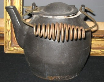 Black Cast Iron Kettle with Swivel Top Coiled Wire Handle/Wood Stove Humidifier/Campfire Kettle/Country Farmhouse Decor