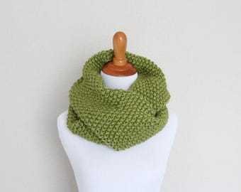 READY TO SHIP - Chunky Knit Cowl, Infinity Scarf, Long Loop scarf - Atomic Cowl