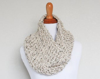 Chunky Knit Cowl, Scarf, Oxygen Cowl, Oatmeal Cowl