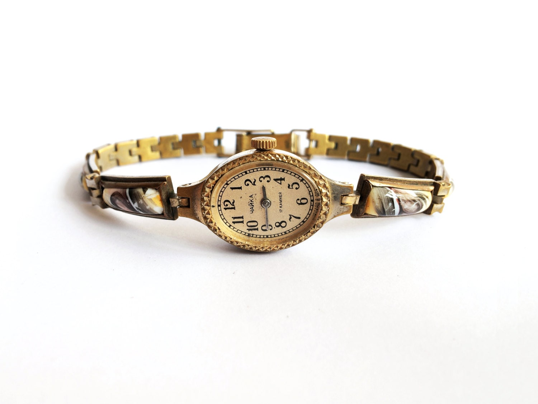 goldene uhr vintage damen armbanduhr chaika 17. Black Bedroom Furniture Sets. Home Design Ideas