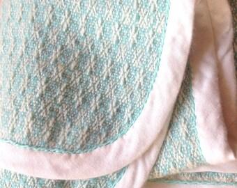 Babydeken. Groen wit. 93 x 80 cm.