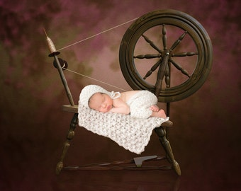 Newborn Inspired Spinning Wheel Digital Background