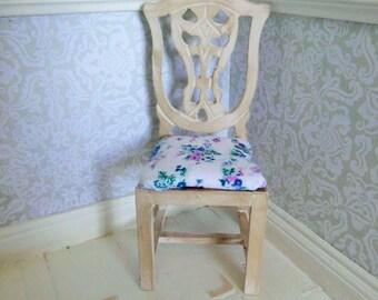 doll house furntiture, miniature furniture, 12th scale furniture, miniature chair, doll house chair