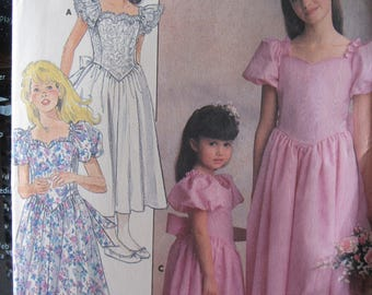 Pattern Butterick 4672 / first communion or flower girl dress / size 7 to 10 years old girl