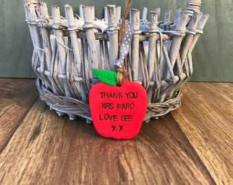Red apple, teacher appreciation gift, green apple, Apple decoration, teachers apple, personalised apple gift, apple gift, teacher apple gift