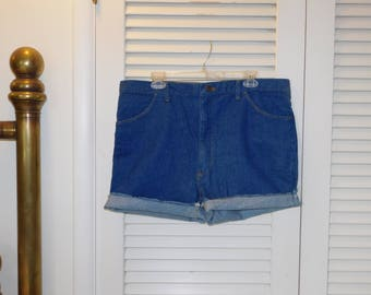 Vintage Wrangler NWT Jean Cut Off Shorts Made USA Blue Tag Says 38 C NEW