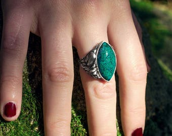 crisocola and silver river ring . big ring, green blue stone, fantasy fairy jewelry, witch druid ring, unique design, nenufar inspiration