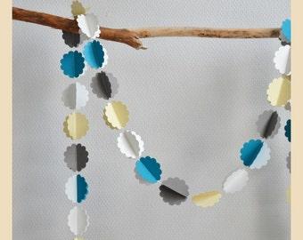 "Garland ""Petite Fleur"" decorative scalloped paper and cotton thread"