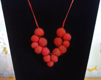 Red Wool Blend Felt Beads Valentine Heart Necklace On Red Glitter String.There Are Matching Earrings