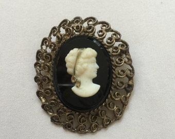 SALE Vintage LARGE cameo brooch