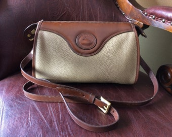 FREE SHIPPING//Vintage Dooney and Bourke Classic Zip Top//Pebbled Leather//Bone//Burnt Cedar//Crossbody Bag//Pretty Cottage Chic