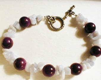 Handcrafted Amythest Chip Beaded Bracelet 8 inches long toggle clasp - BR183