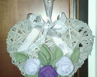 Outdoor Garland with wicker and roses linen heart