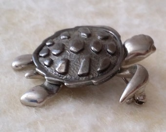 STUNNING Vintage Silver Tone Signed DANECRAFT Turtle Articulated Pin Brooch