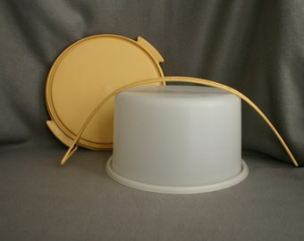 Vintage Gold Tupperware Small Cake Carrier with handle. #684-8
