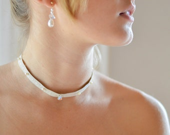 RAS of neck in silk and pearls Swarovski Crystal