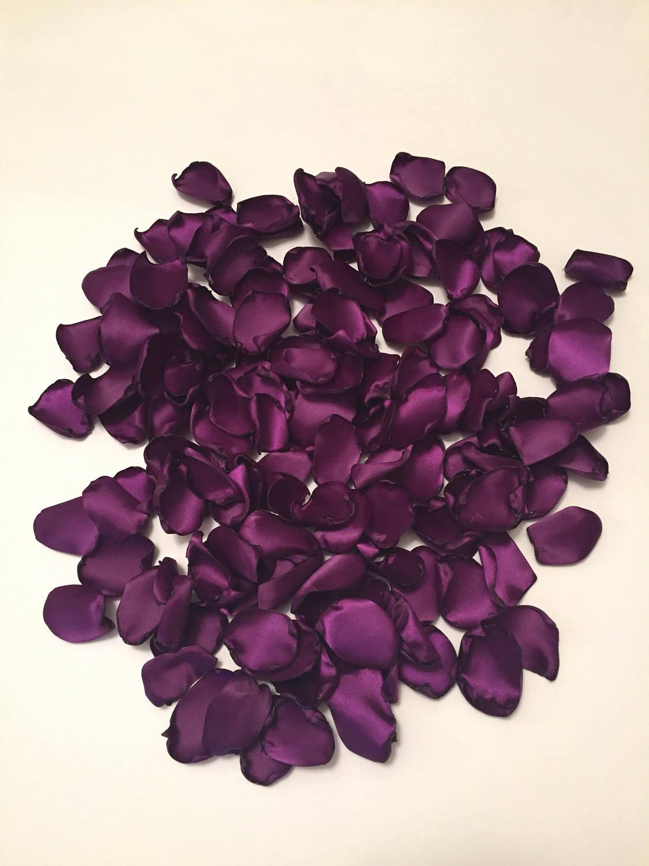 rose petals rustic wedding rose petals plum petals aisle. Black Bedroom Furniture Sets. Home Design Ideas
