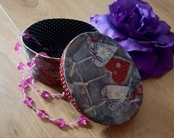 Decoupaged jewelry box, decorated decoupaged jewellery box, heart jewellery box, oval trinket box, decoupage heart box, heart decorated box