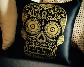 Gold Skull - Decorative Pillow Case, Throw Cushion Case, Pillow Cover, Decor, Throw Pillow Case, Cushion Cover