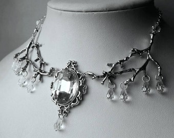 Icithril Elf and Nature Inspired Necklace