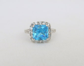 Vintage Sterling Silver Blue & White Topaz Halo Ring Size 8.25