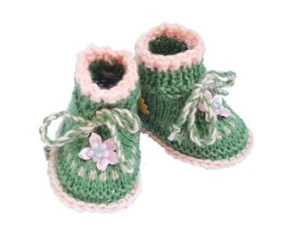 Gift for newborn New baby booties, home coming gift,gift from grandma, knitted baby booties,special occasion,hospital gift, photo shoot prop