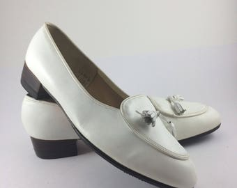 "Brooks Brothers Vintage ""Dolly"" White Leather Loafers w/ Tassels Size 8.5 A"