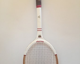 Dunlop vintage wooden tennis racket. Dunlop Imperial tennisracket. Rare condition.