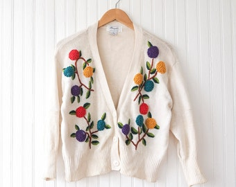 90s floral cardigan with 3-D embroidery | Button-up cropped boxy pullover