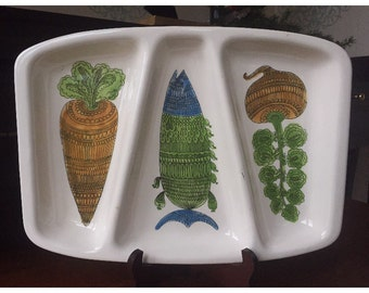 White Divided Tray Carrot Fish Onions Green Blue Orange Kitchen Serving Platter Display Ceramic Pottery Appetizer Olive Cheese Trays Vintage