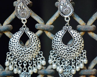 Boho chic earrings. 20% off