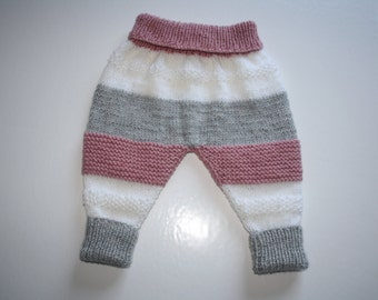 Knitted children's trousers
