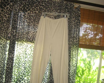 Comfortable Long White Pants with Elastic Waist