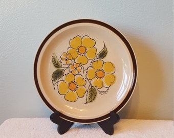 Set of 4 Montrose Stoneware Dinner Plates, super cute floral print!