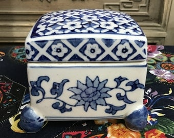 Antique Ceramic Jewelry Box, Blue ceramic box, Blue Jewelry box, Housewarming present, gift for housewife, gift for girls