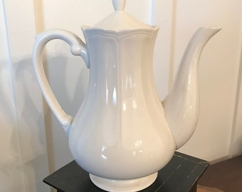 Vintage Harmony House Ironstone Federalist White Teapot | Marked #4238 Made in Japan | Farmhouse Cottage Style Décor