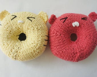 Baby Rattle / Donut Rattle / Knit Rattle / Baby Gift / Pretend Play / Animal Rattle