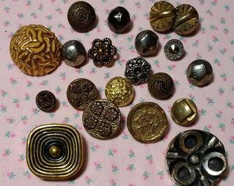 20 Vintage Metal Buttons