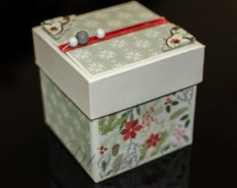 Christmas Gift Box - Green & White Leaves