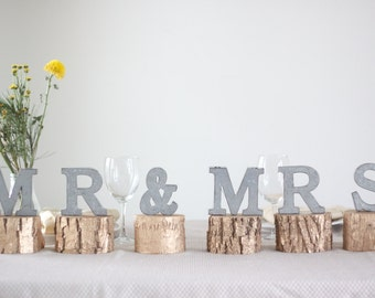 Mr & Mrs Sign, Mr and mrs Banner, Mr and Mrs Head Table Sign, Mr and Mrs for Sweetheart Table, Rustic Wedding Decor, Wedding Decor, Gold